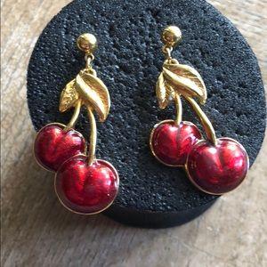 Earrings gold tone Avon 🍒